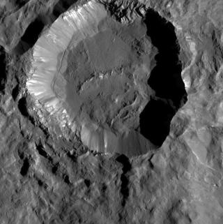 Cratere sul nanopianeta Cerere