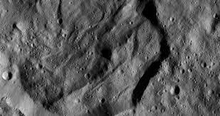 Il cratere Messor