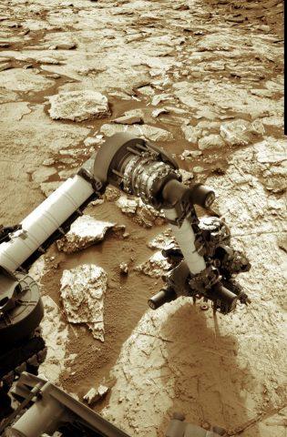 Curiosity-Sol-1464- mentre sta perforando